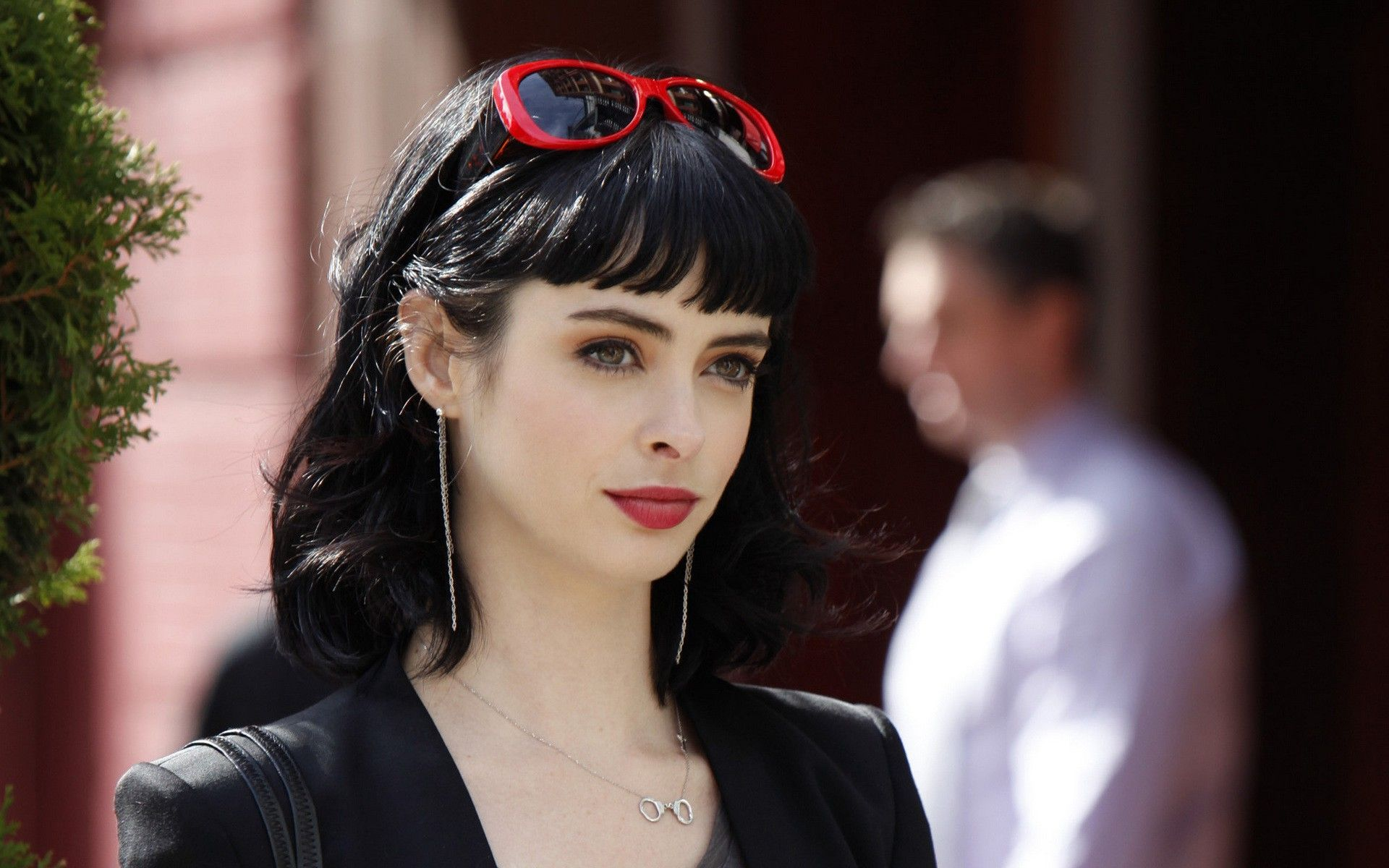 Krysten Ritter is Jessica Jones