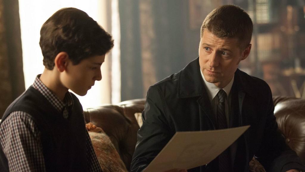 David Mazouz and Ben McKenzie in Gotham