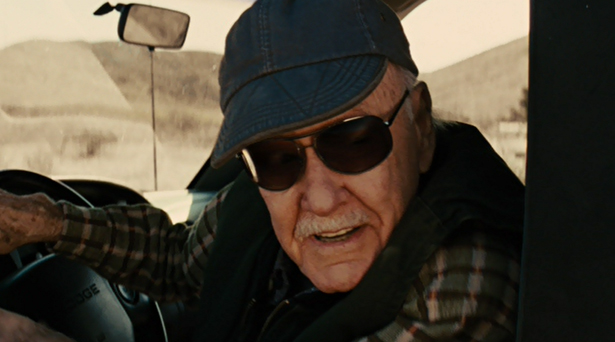 Stan Lee attempts to move Mjolnir in his truck