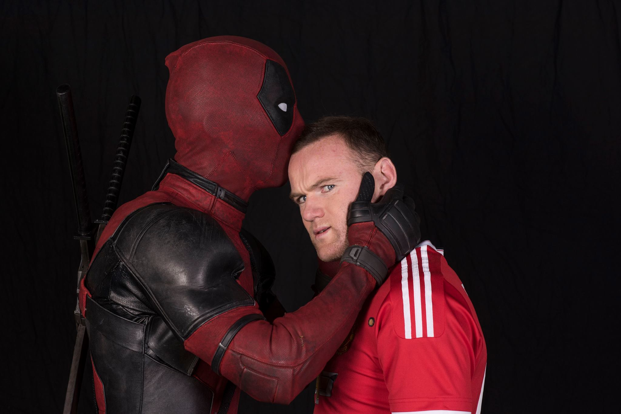 Deadpool kisses Wayne Rooney!