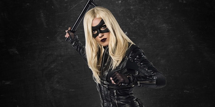 Katie Cassidy will guest star in The Flash Season 2 as Laurel Lance's Earth 2 doppelganger!