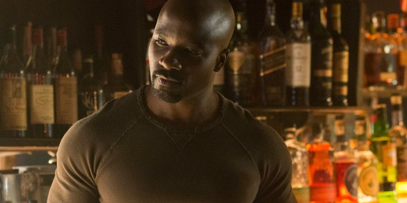 Mike Colter says Luke Cage Season 1 will deal with his backstory in a cool way