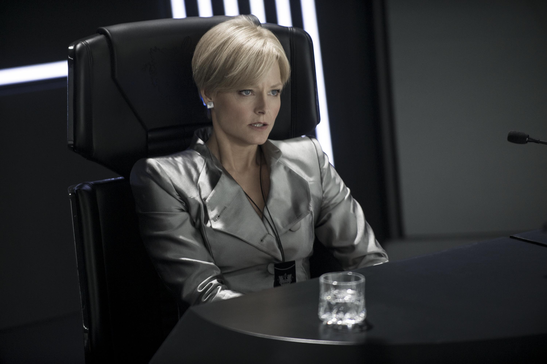 Jodie Foster in Elysium (Collider)
