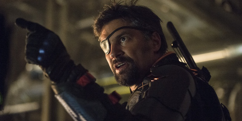 Manu Bennett's Deathstroke is Amell's favorite villain in Arrow!