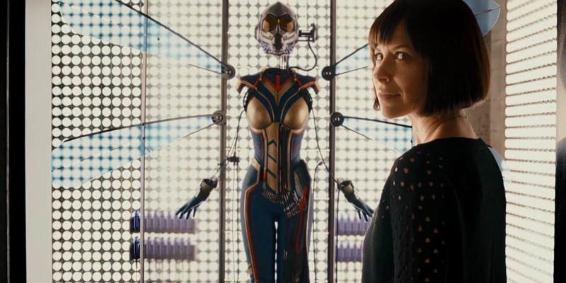 Evangeline Lilly's Hope van Dyne with the Wasp suit
