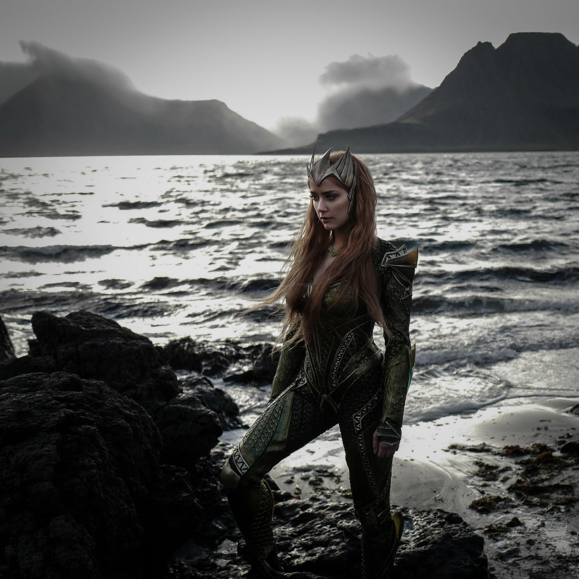 First look at Amber Heard as Mera!