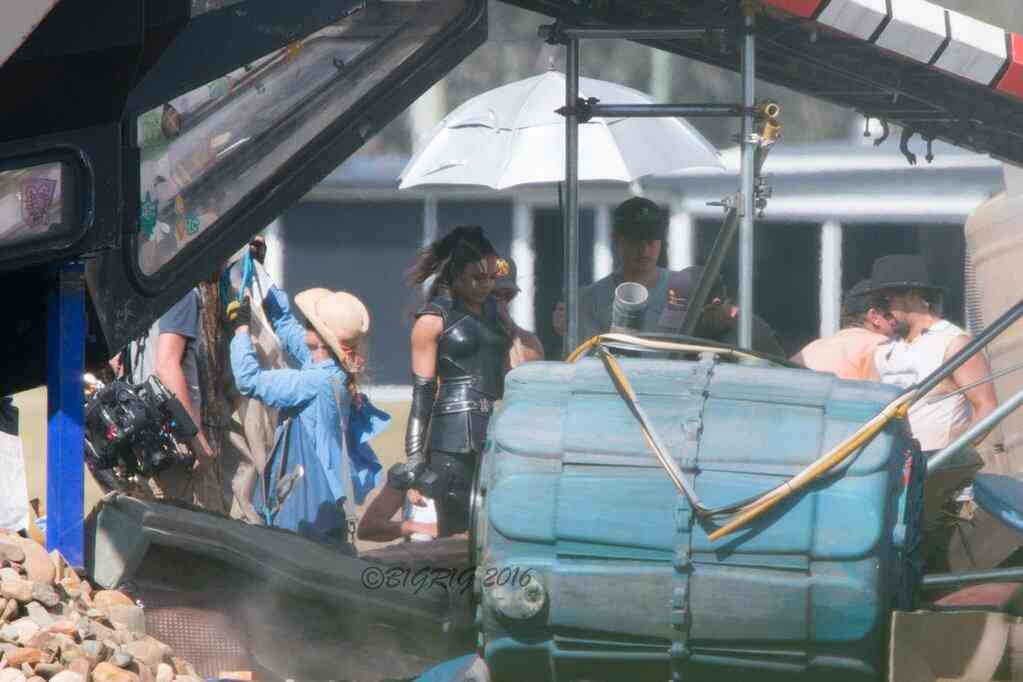 Tessa Thompson in Valkyrie costume from Thor: Ragnarok set!