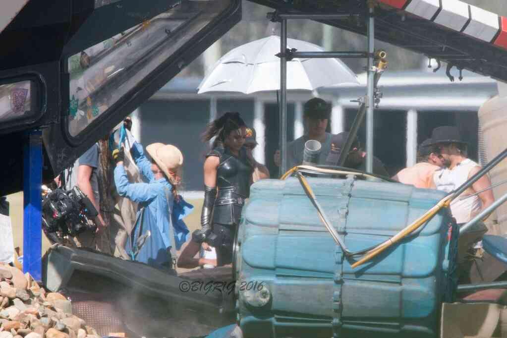 Tessa Thompson in Valkyrie costume from Thor: Ragnarok set!