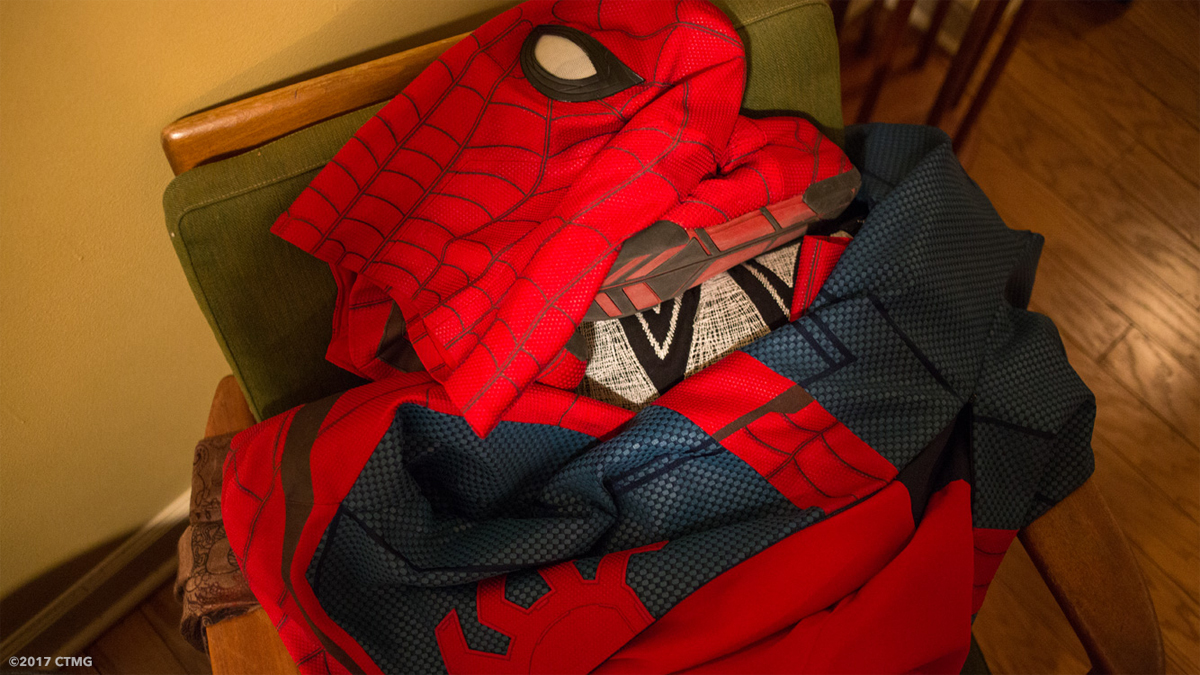 Spidey's mask and suit