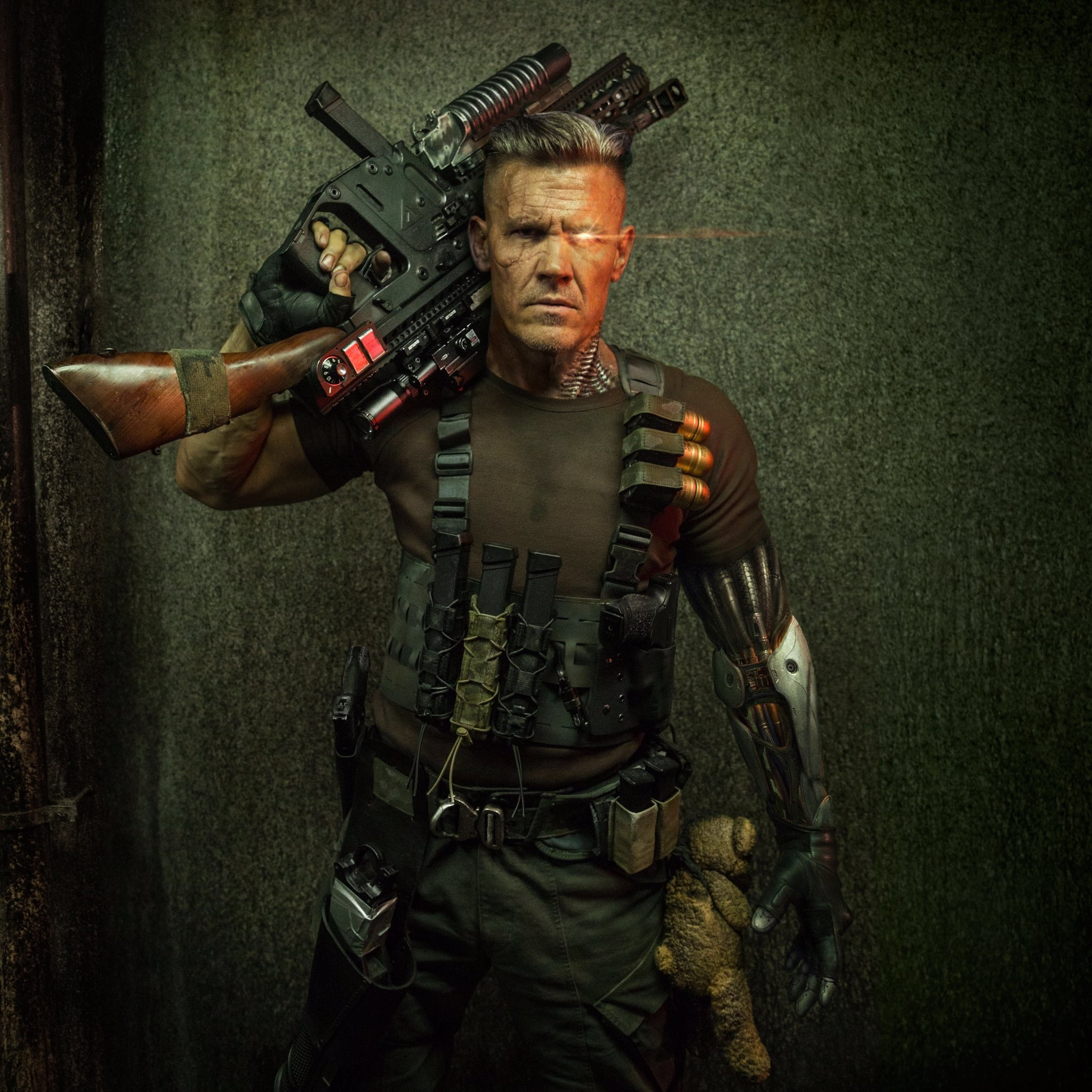 Another look at Josh Brolin's Cable