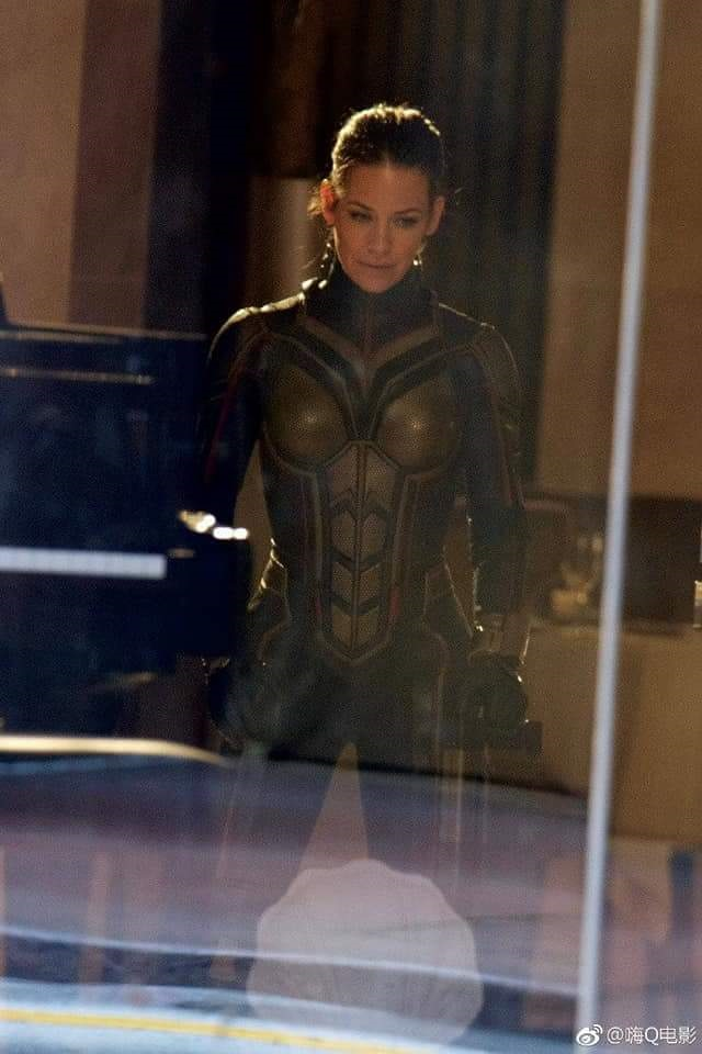 Set photo featuring Evangeline Lilly in her Wasp costume