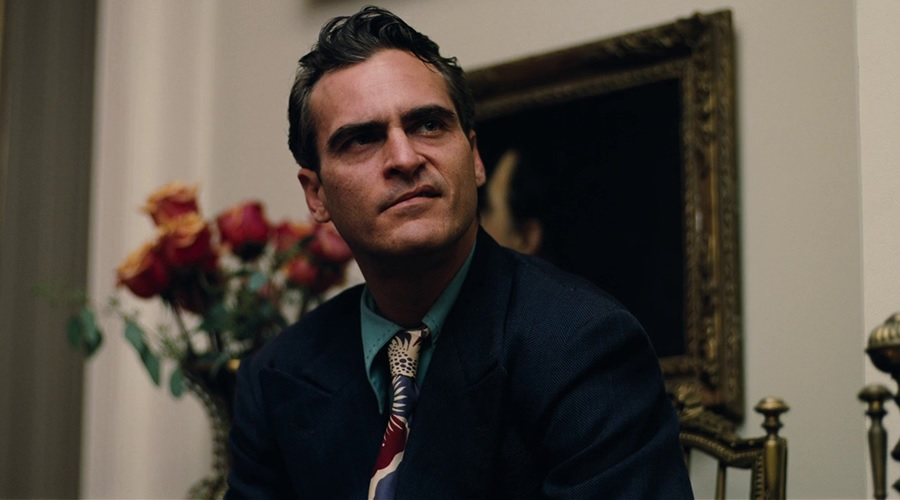 Joaquin Phoenix is reportedly close to a deal for the lead role in the Joker origin movie!