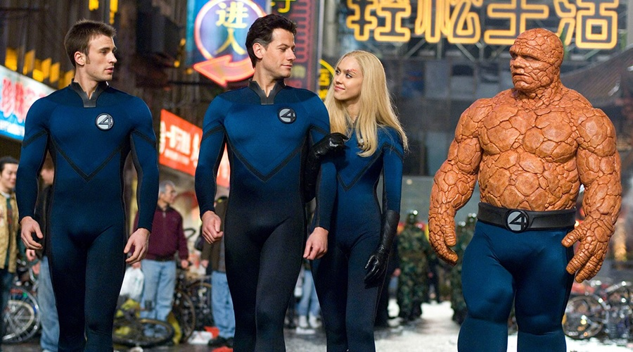 Ioan Gruffudd with Chris Evans, Jessica Alba and Michael Chiklis in Fantastic Four