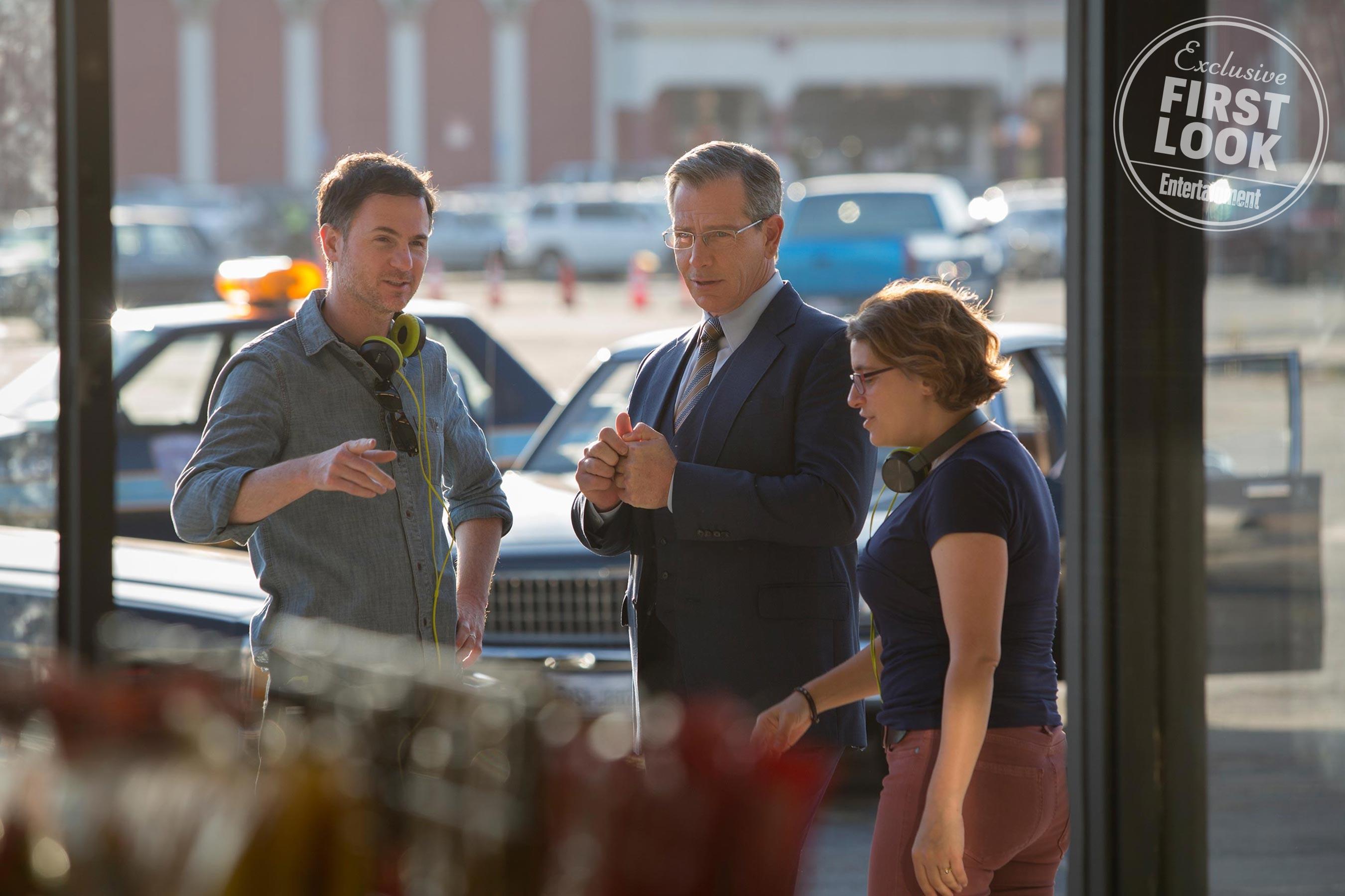 Ben Mendolsohn in Talos' human attire with directors Ryan Fleck and Anna Boden