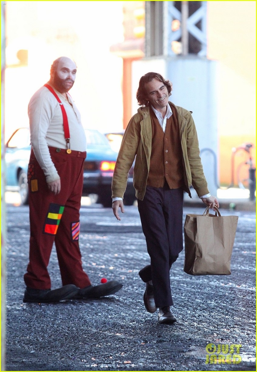 Phoenix on the set of Joker
