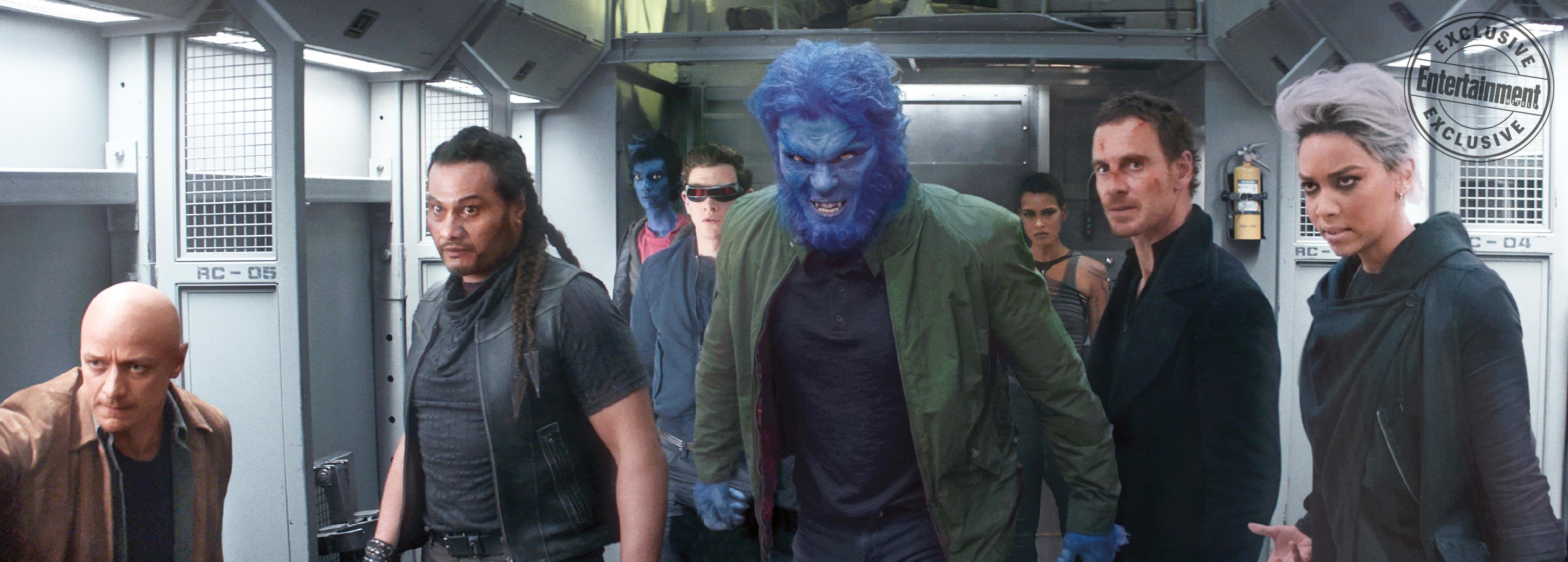 New Dark Phoenix still featuring Professor X, Magneto, Beast and other mutants